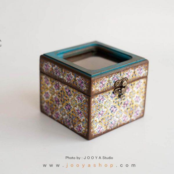 جعبه کوچک درب شیشهای طرح کُهن