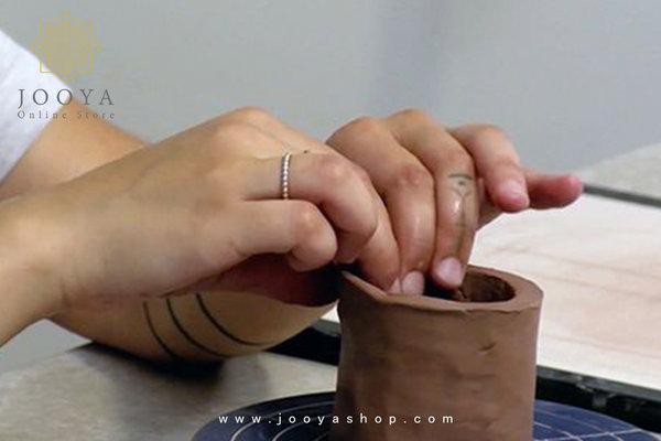 ساخت ظرف سفالی با دست به روش فشاری یا پینچ