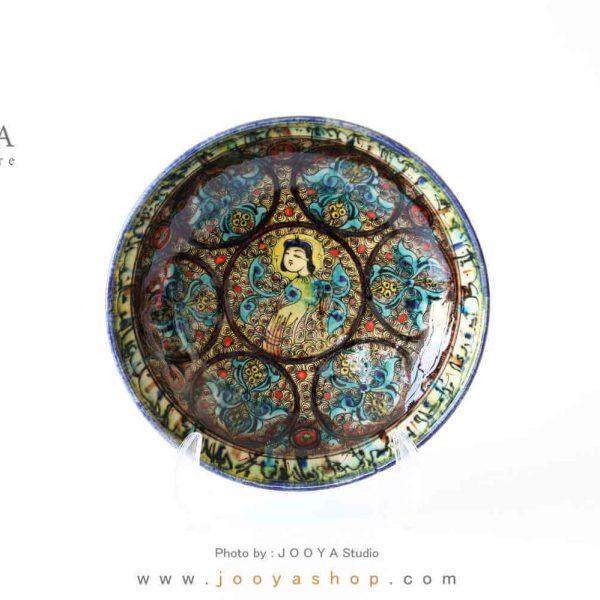 بشقاب سفالی نقاشی شده متاثر از آثار قرن ۷ دوره ایلخانی