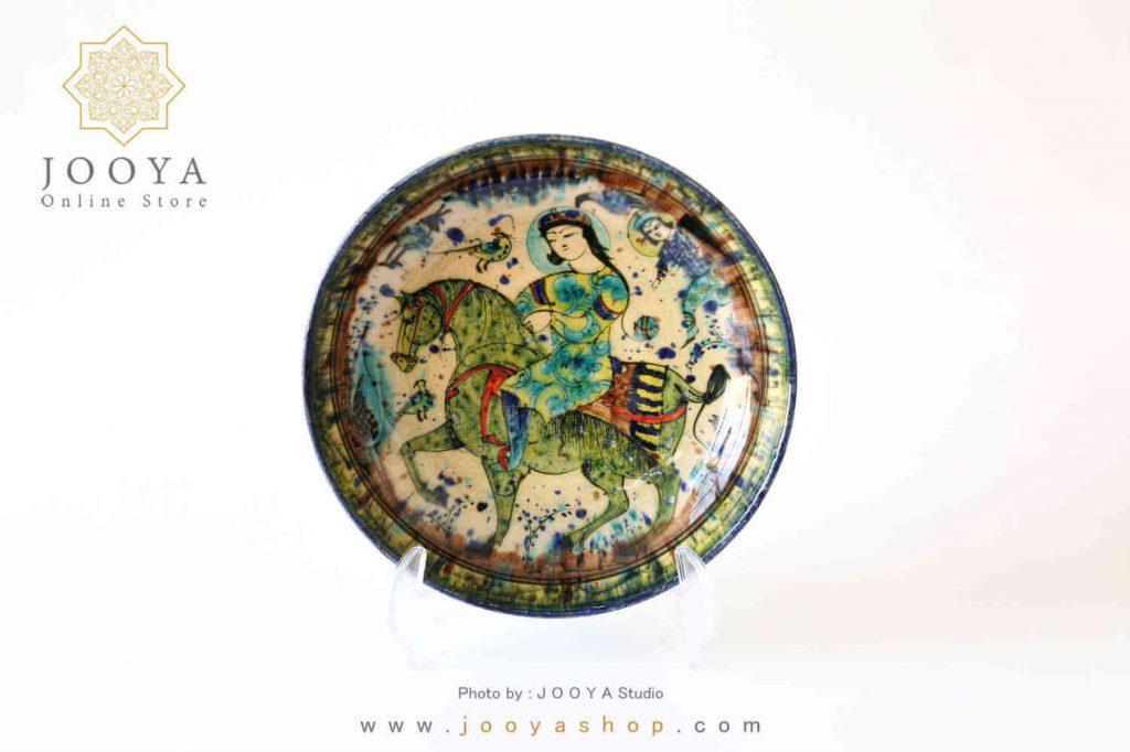 بشقاب سفالی نقاشی شده متاثر از آثار دوره ایلخانی