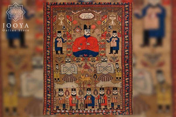 یک قالی تصویری از دوره قاجار با مضمون زندگی پادشاهان