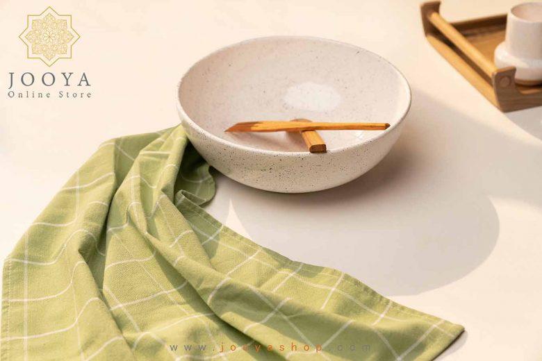سرو غذای گرم در ظروف سرامیکی دست ساز